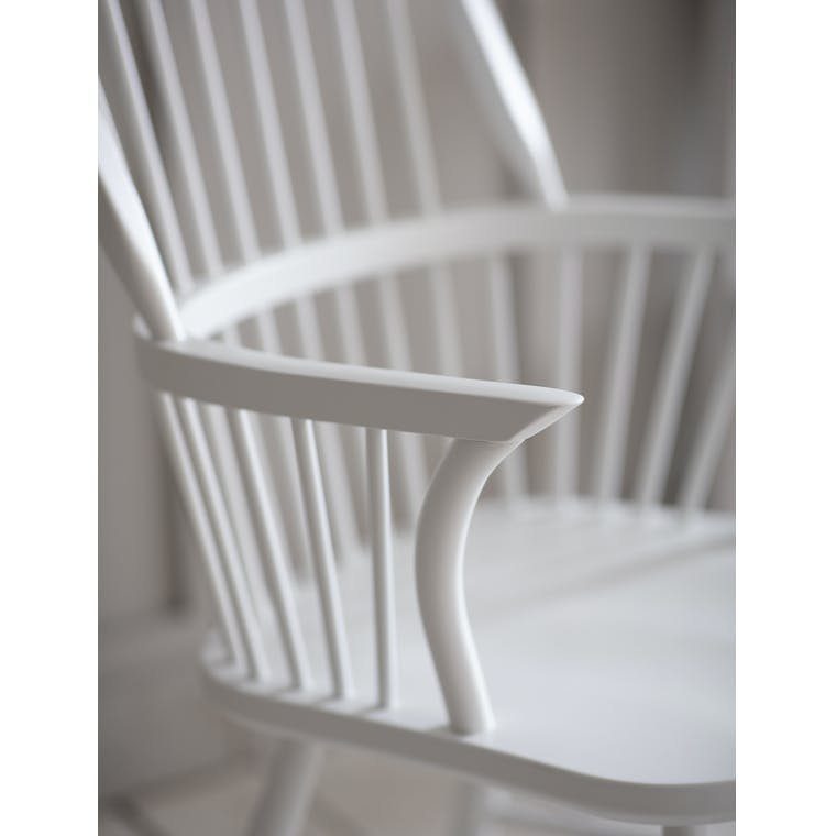 Wooden Spindle Armchair in White or Black | Garden Trading