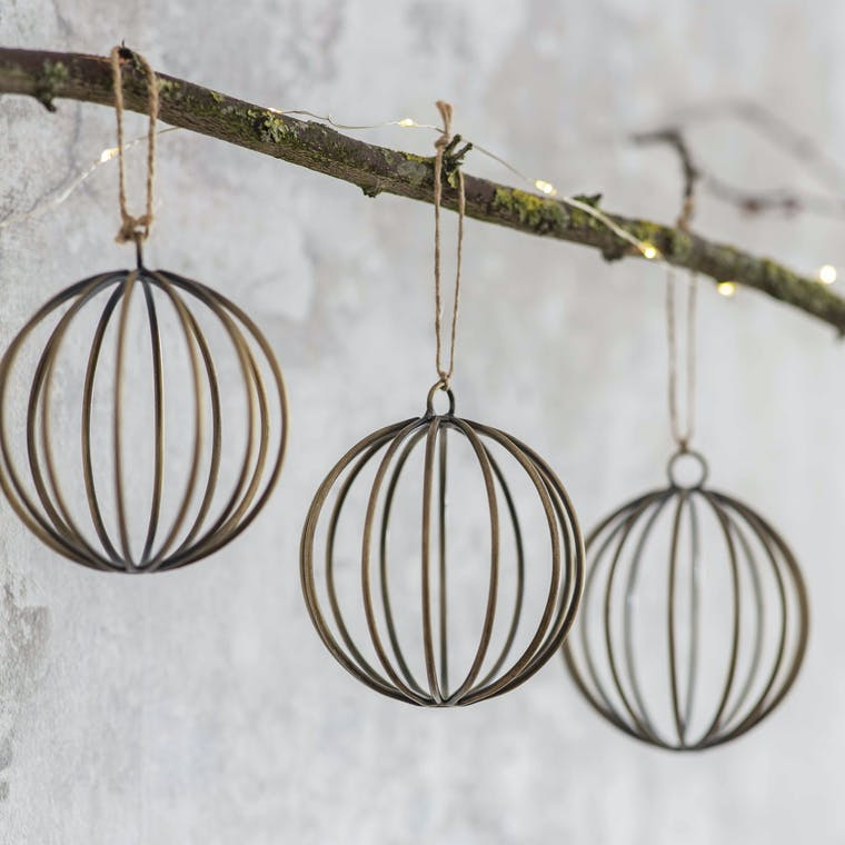 Wirework Set of 4 Cromwell Baubles   Garden Trading