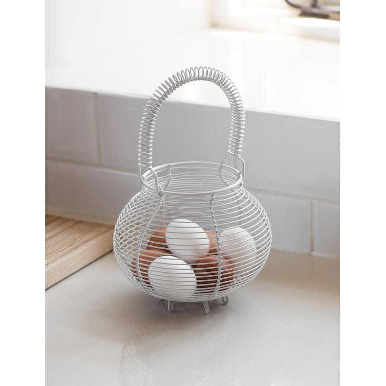 Wire Egg Basket in Black or White | Garden Trading