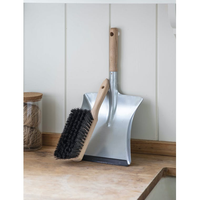Garden Trading Dustpan and Brush