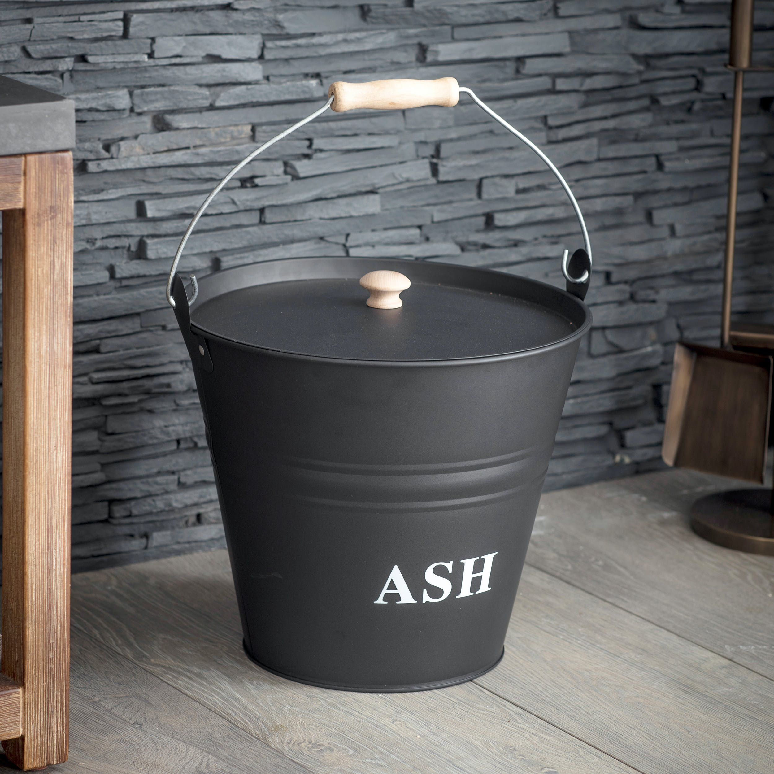 Steel Ash Bucket in Black | Garden Trading