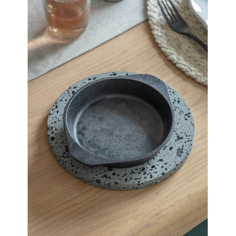 Cast Iron Coalbrook Dish in Small or Large | Garden Trading