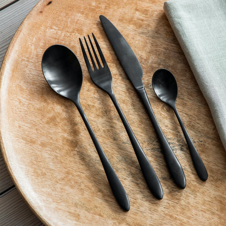 Stainless Steel 16 Piece Cutlery Set in Silver or Black | Garden Trading