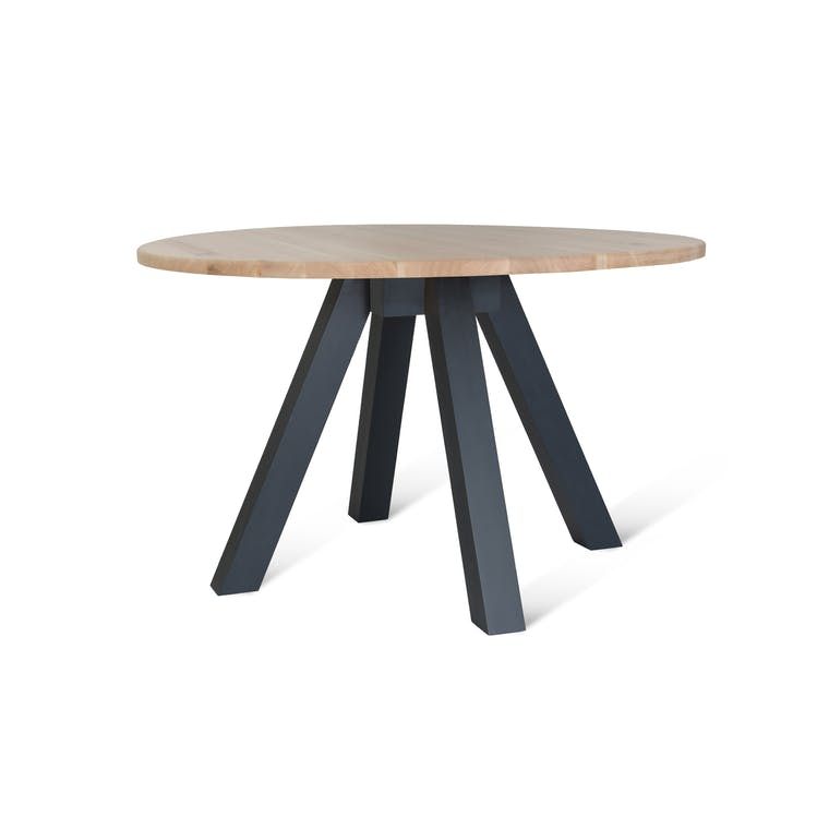 Oak Round Dining Table in Brown or Black | Garden Trading