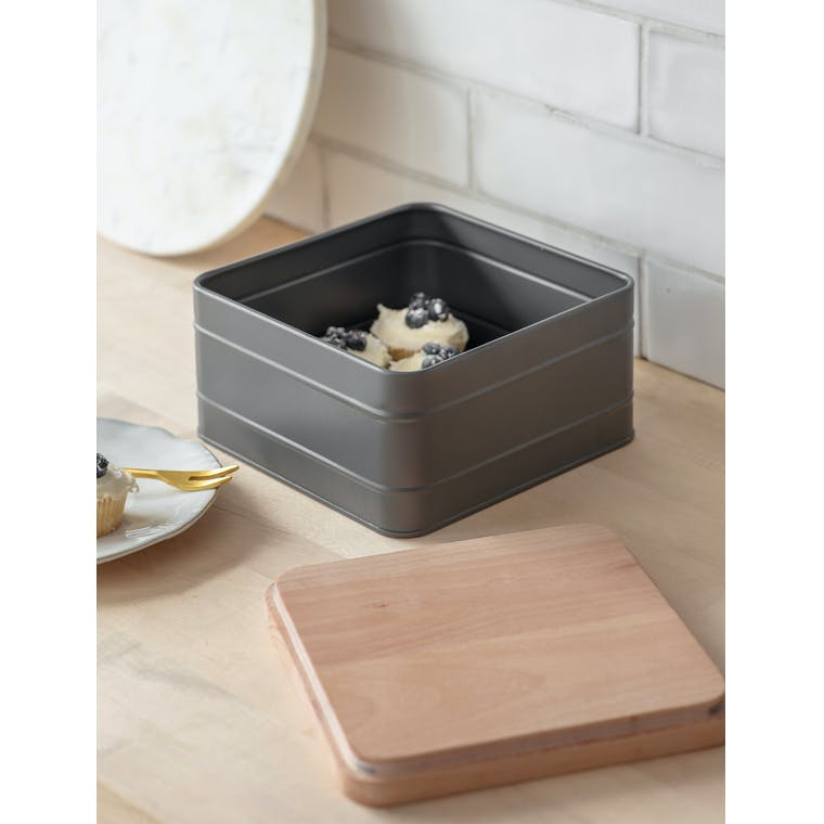 Steel & Wooden Borough Cake Tin in White or Grey | Garden Trading