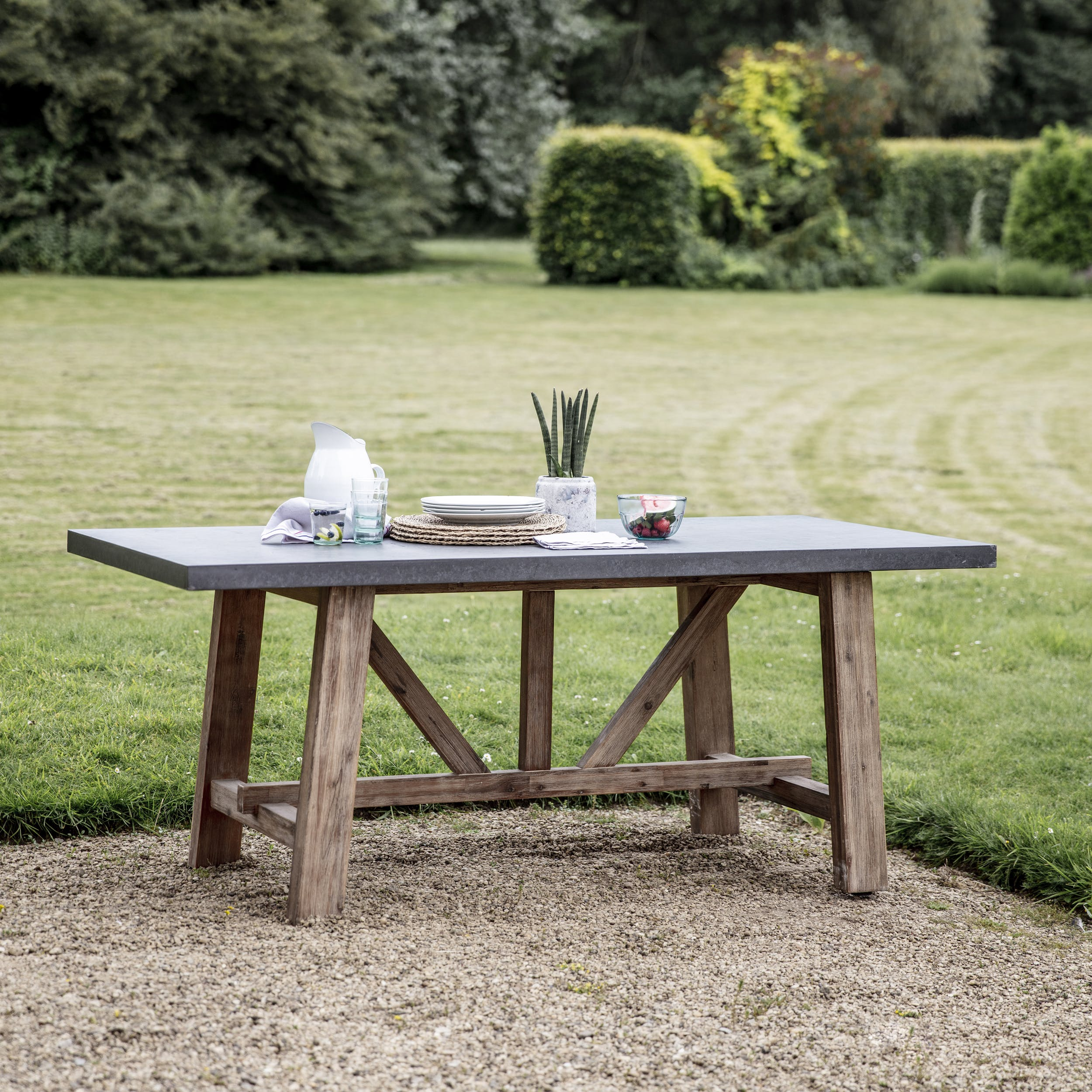 Cement indoor and outdoor chilson table in small or large garden trading