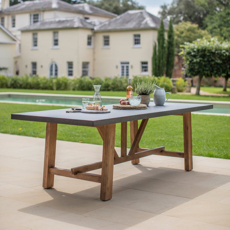 Garden Trading Large Chilson Table