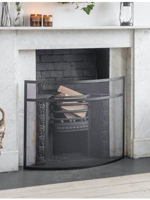 Bretforton Firescreen in Black
