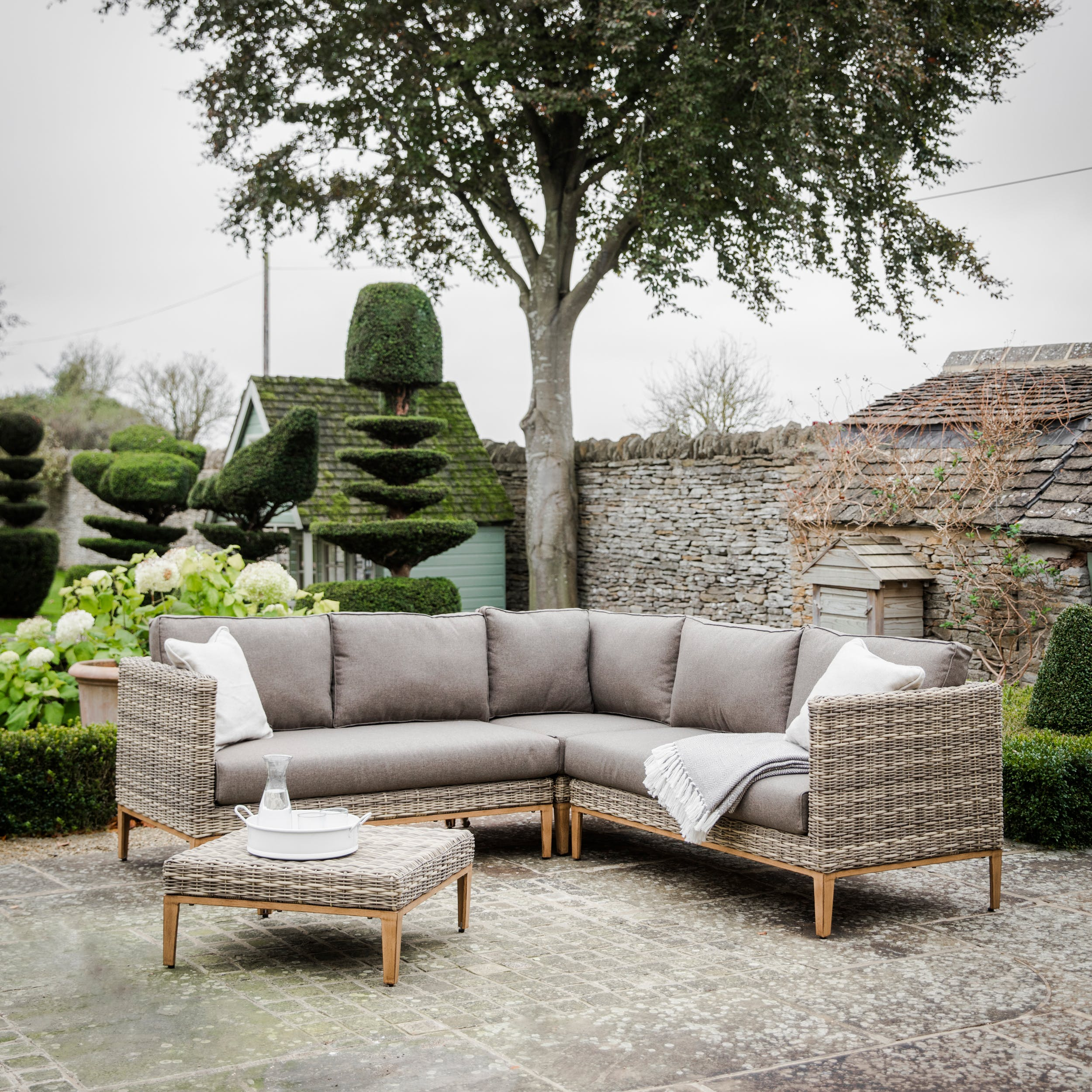 Walderton Outdoor Corner Sofa Set