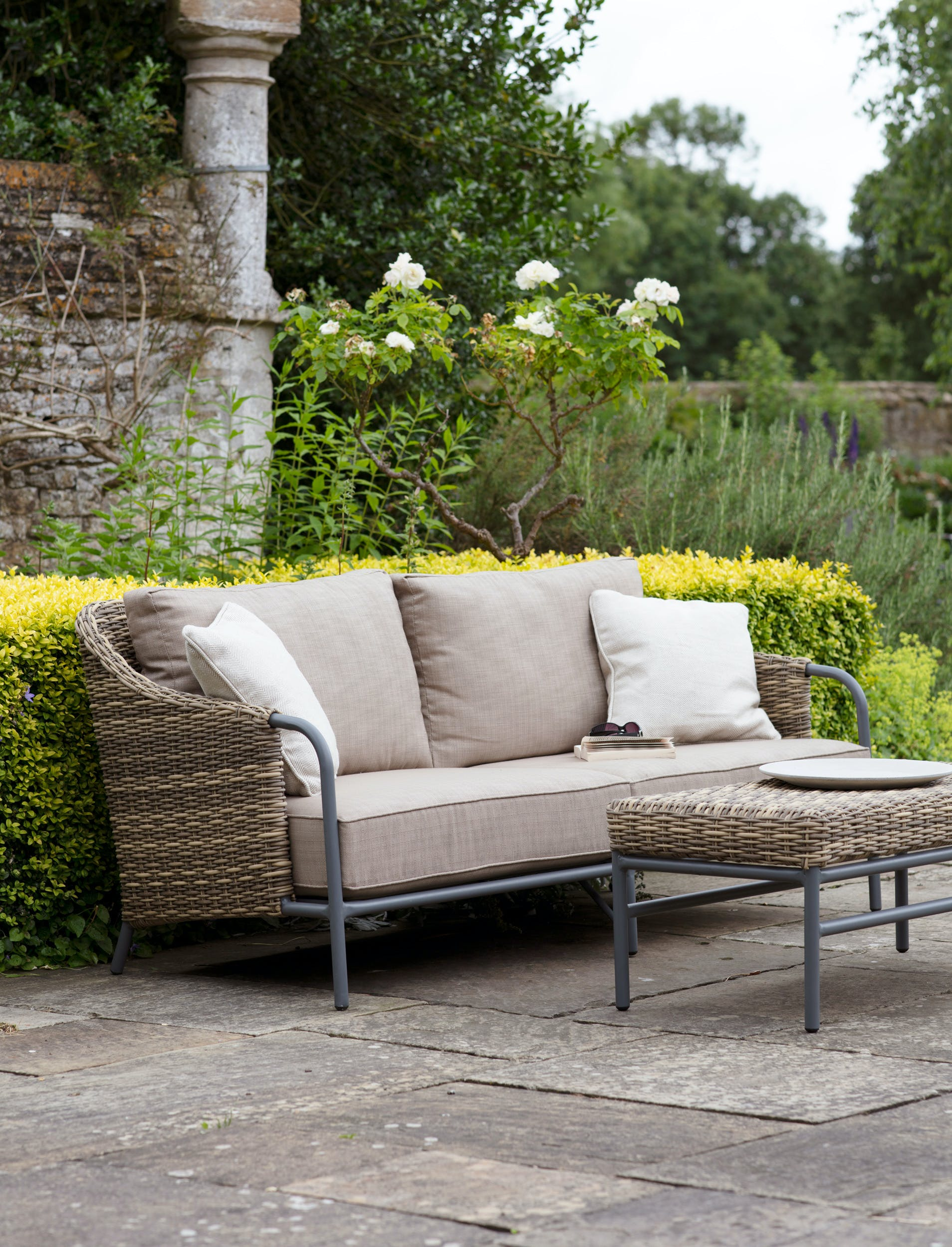 All-weather Rattan Heyshott Outdoor Sofa Set | Garden Trading