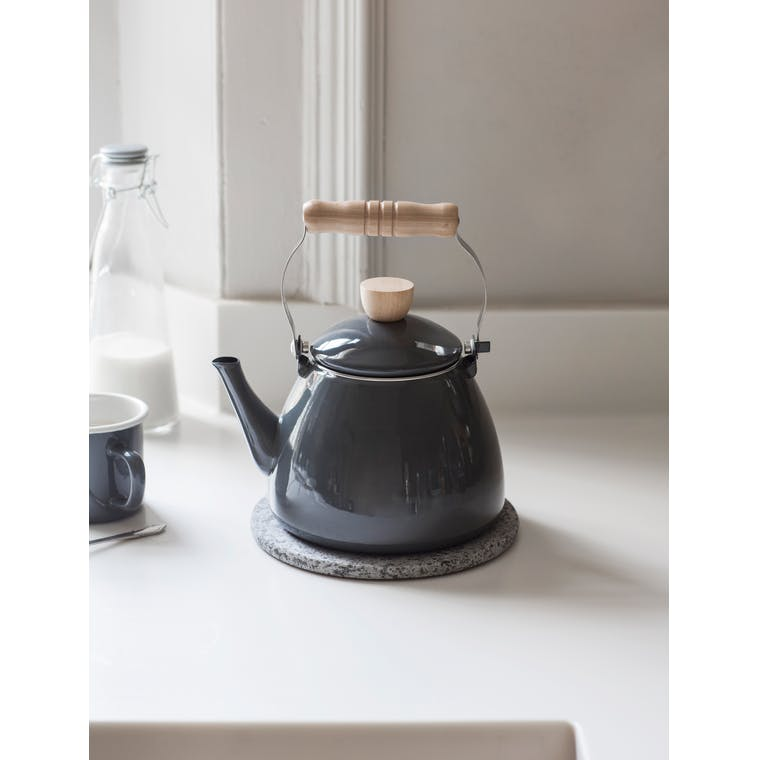 Garden Trading Stove Kettle Carbon