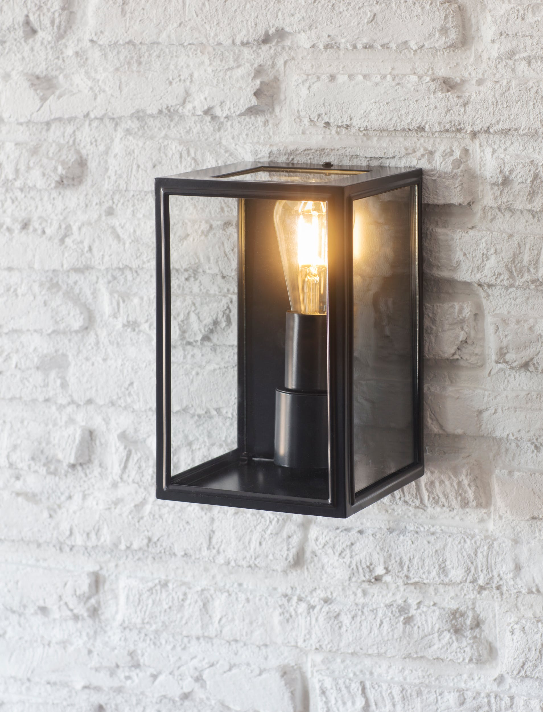 Belgrave Outdoor Wall Lantern in Black | Garden Trading