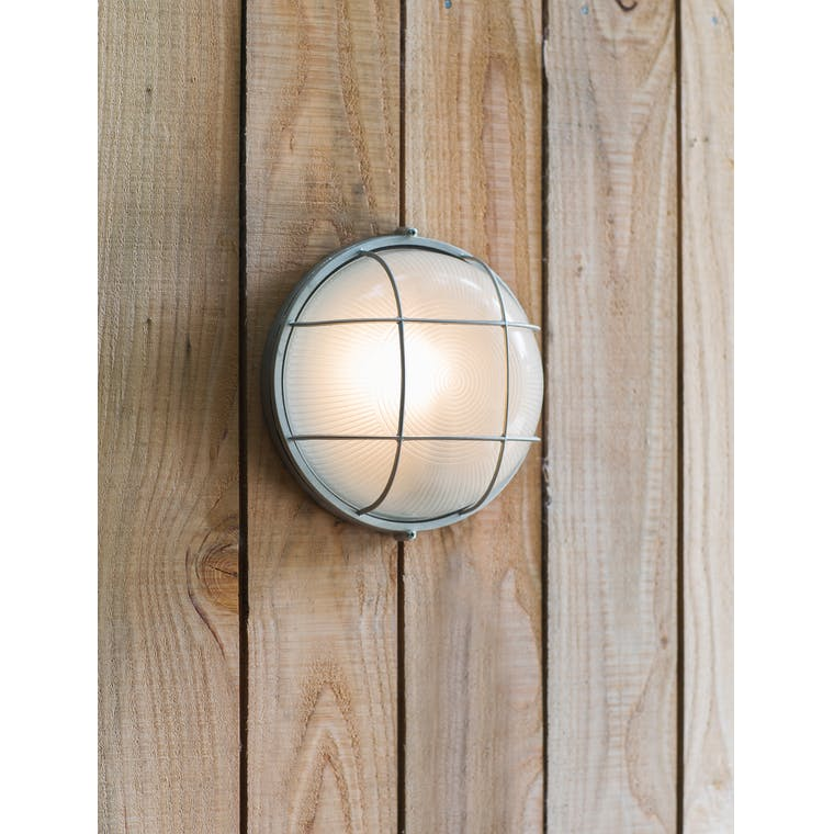 Chatham Round Outdoor Bulk Head Light | Garden Trading