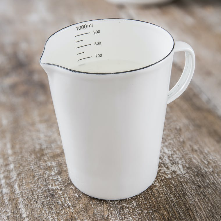 Enamel 1L Measuring Jug