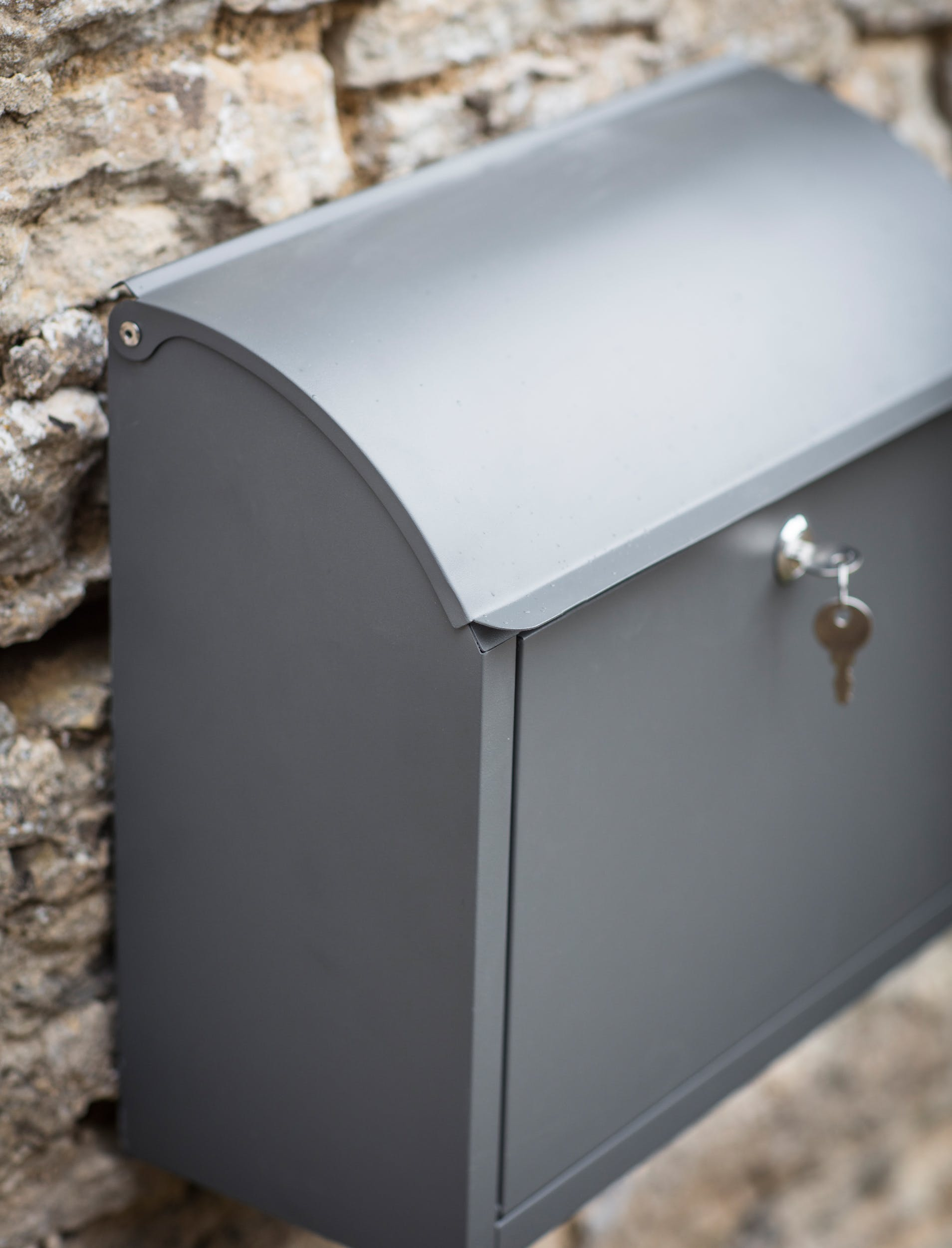 Stowe Post Box in Grey | Garden Trading