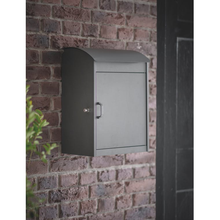 Stowe Parcel Box by Garden Trading