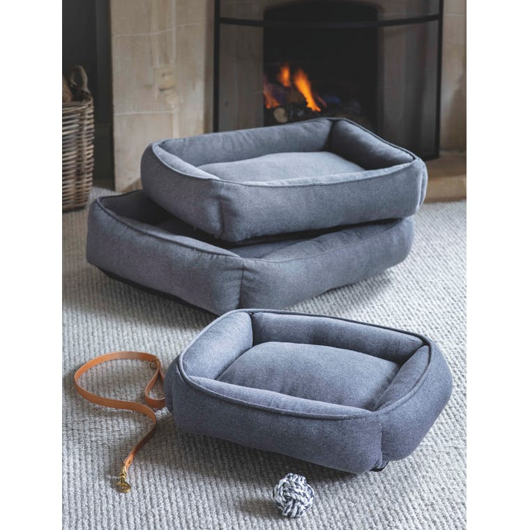 Langley Knitted Pet Bed in Small, Medium or Large | Garden Trading