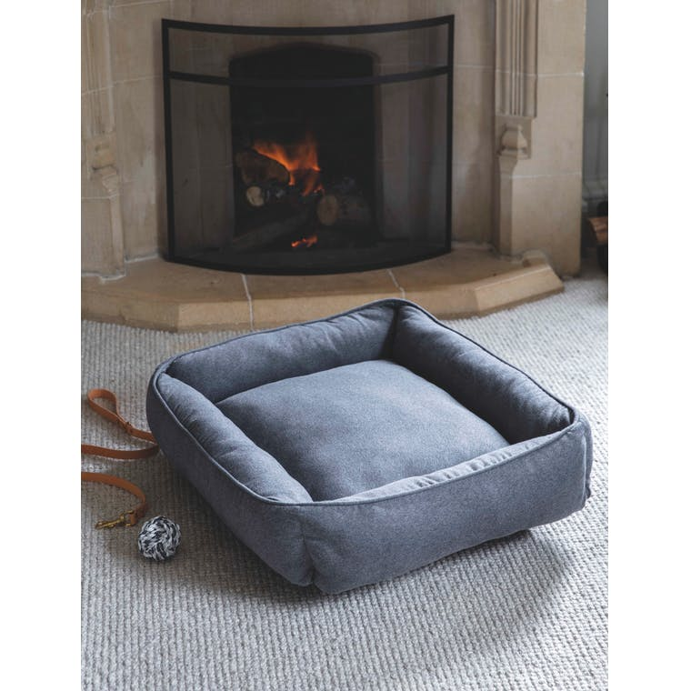 Langley Knitted Pet Bed in Small, Medium or Large   Garden Trading