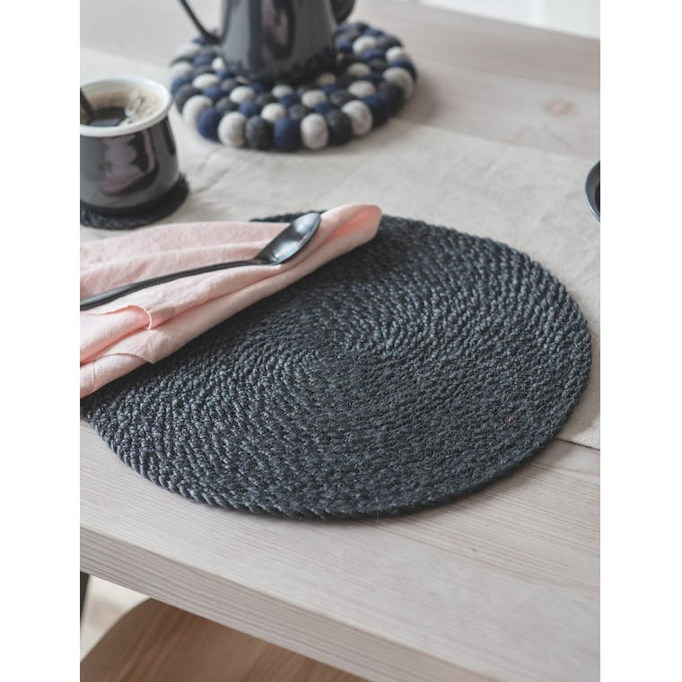 Set of 4 Jute Placemats in Black by Garden Trading