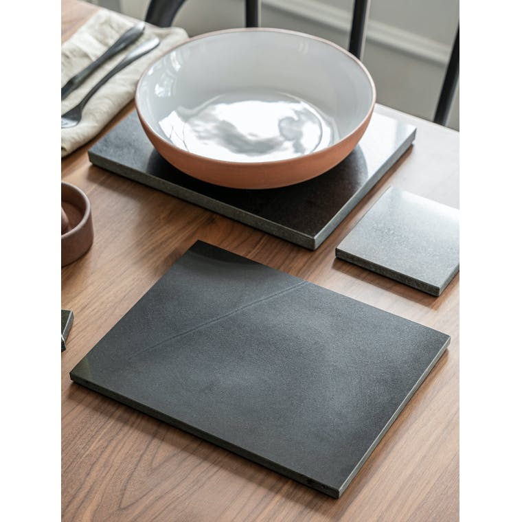Marble Placemats in White or Black - Set of 2   Garden Trading