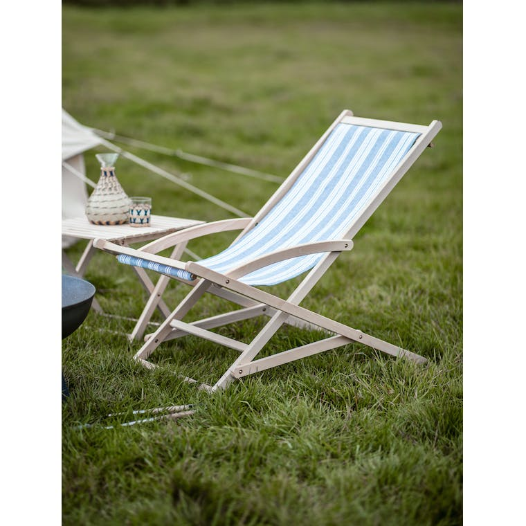 Garden Trading Rocking Deck Chair in Cornflower Blue