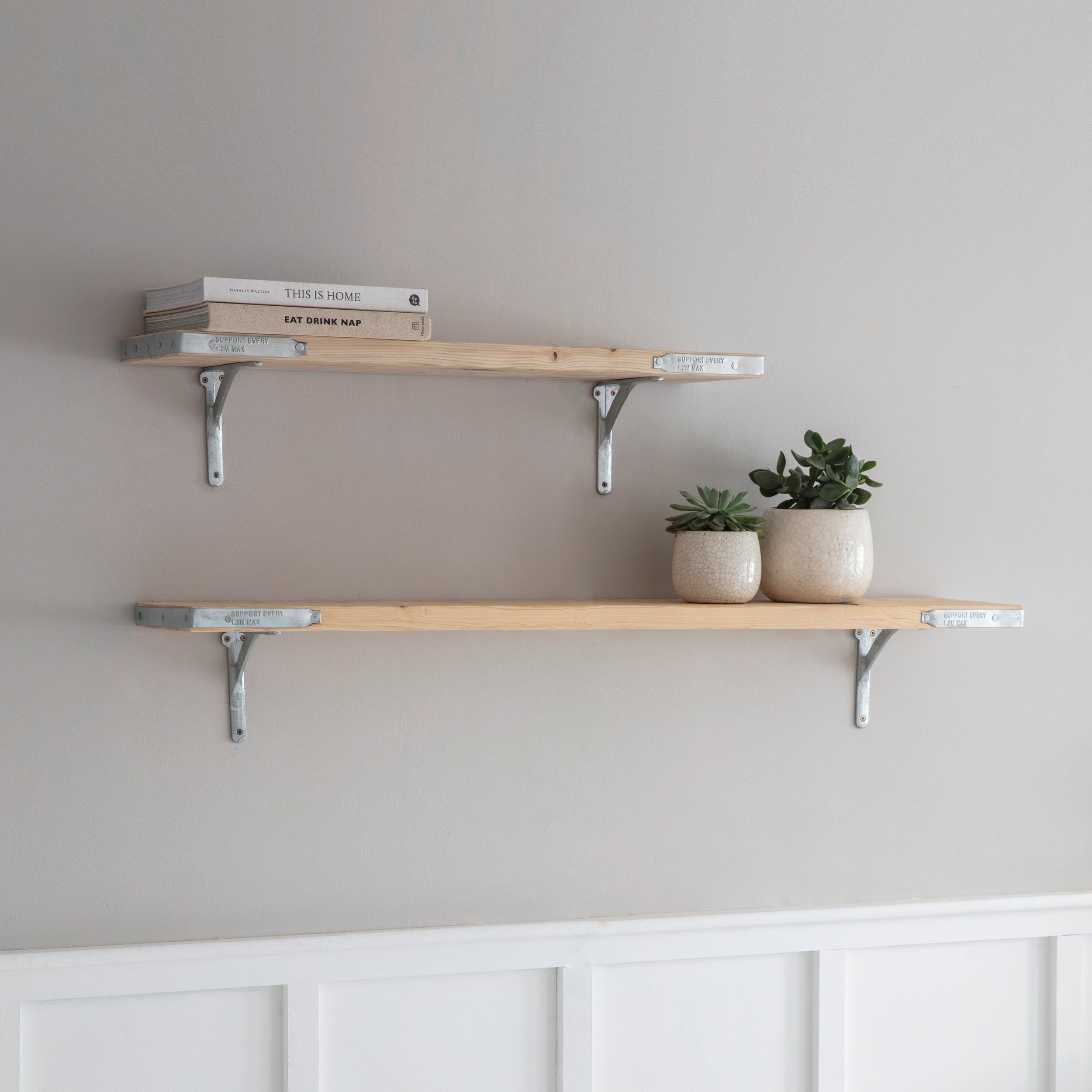 Wooden Raw Scaffold Shelf In Small Or Large Garden Trading