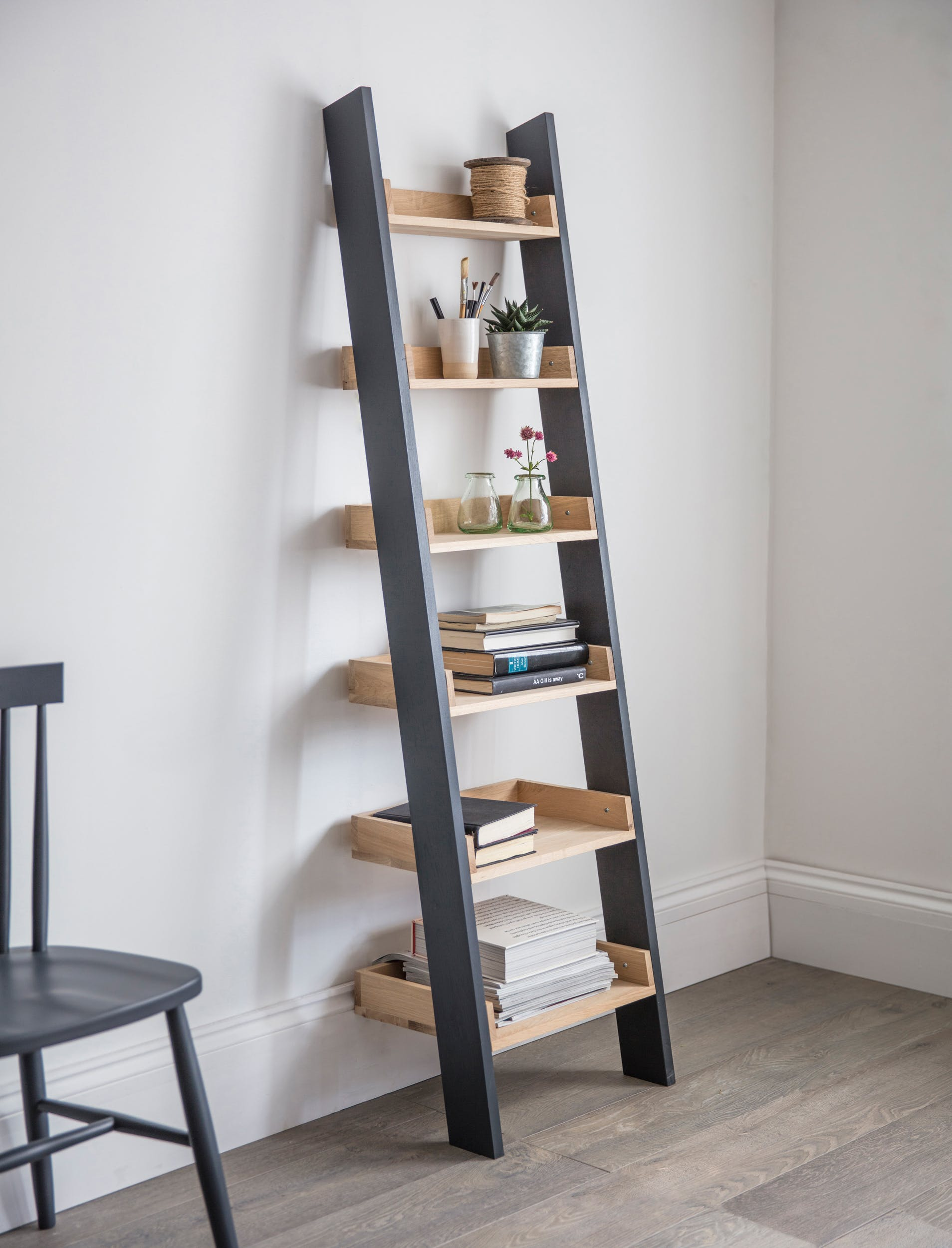 Oak Clockhouse Shelf Ladder in Black | Garden Trading