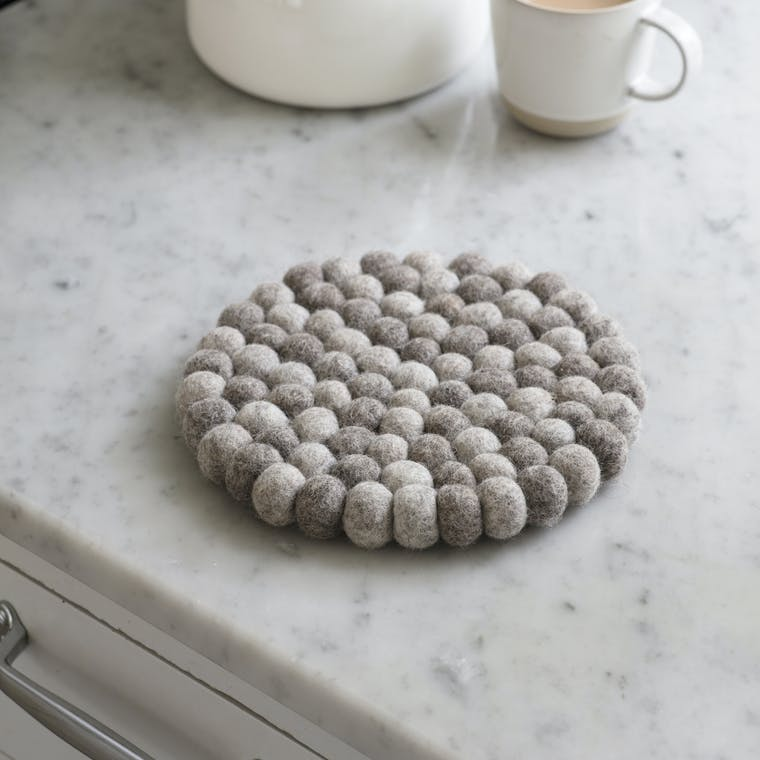 Fairtrade Felt Southwold Round Trivet in Grey  | Garden Trading