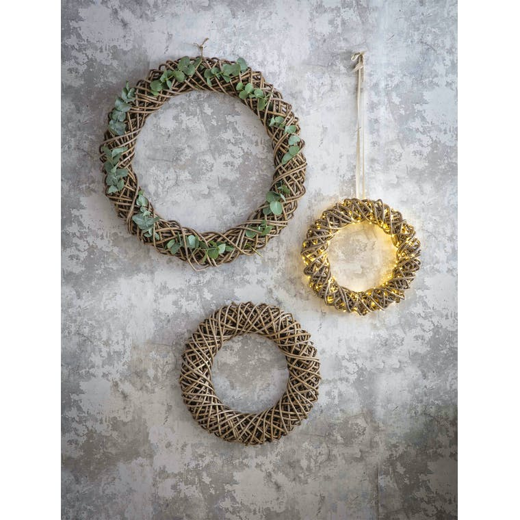 Rattan Door Wreath in 40cm, 50cm or 70cm | Garden Trading